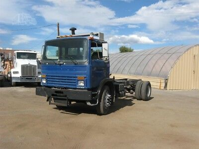 1997 Mack Midliner Cab & Chassis Yard Truck