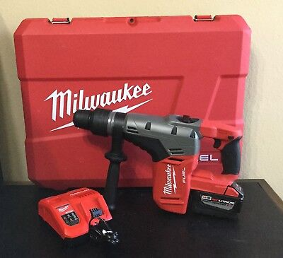 "Milwaukee 2717-20 M18 FUEL 18V 1-9/16"" SDS MAX Rotary Hammer Drill Kit EXCELLENT"