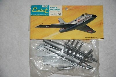 V RARE 1960's Vintage FROG F.183 Cadet Bagged Model Kit FRENCH SUPER MYSTERE B2