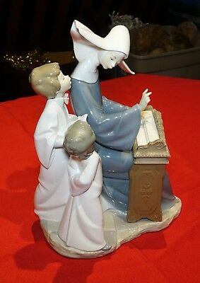"""Lladró Figurine no. 4973 - """"Song Lesson"""" - Retired 1981"""