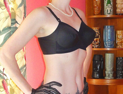 Vintage Black Exquisite Form Bullet Bra 40 C pin up clothing girl retro pointy