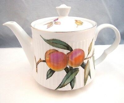 Royal Worcester EVESHAM GOLD 5-Cup Ribbed Teapot