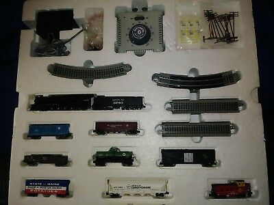 Bachmann N Scale Empire Builder Electric Train Set Pre-owned 24009