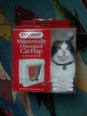 Staywell 932 Magnetic Cat Flap - white