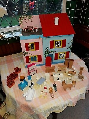 Vintage dolls house Made in Sweden c1970/80's with various items of furniture