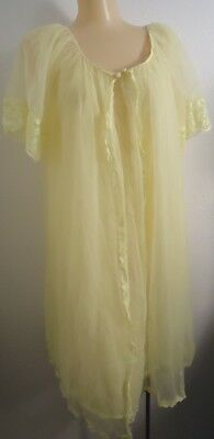 NOS Vtg 70s Frilly Nylon Lace Yellow Vanity Fair M Negligee Gown Robe Set As is