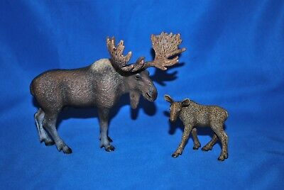 Lot of 2  Schleich Moose Figures In Very Good Played with Condition