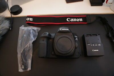 Canon EOS 5D Mark IV 30.4MP Digital SLR Camera - LIKE NEW - USA Model $3299