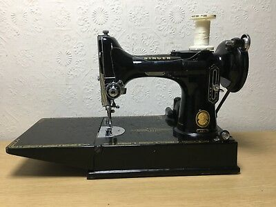 Vintage Singer 221K Featherweight Sewing Machine,Quilting,Crafts,Textiles.