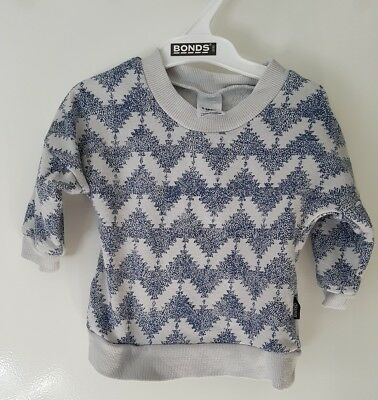 Bonds baby blue and white jumper size 000
