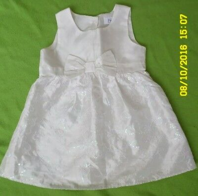 PRE-OWNED F&F White baby girls dress size 12-18 months