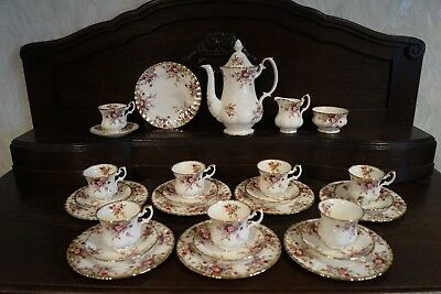 MOKKA SERVICE * ROYAL ALBERT * COTTAGE GARDEN * Bon China * England *