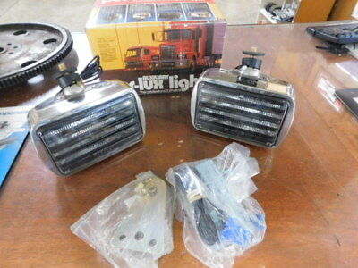 Perlux 600R NOS Fog/Driving Light Set for International & Bluebird Wanderlodge