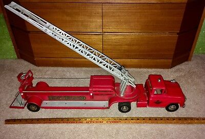 Vintage 1960's Tonka TFD No. 5 Hydraulic Fire Truck Pressed Steel Red VG Cond.
