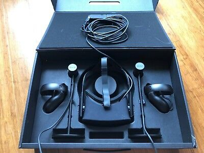 Oculus Rift Touch Virtual Reality Headset, Fantastic Condition