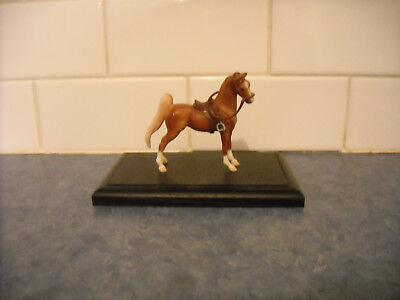 Prop Model Horse Wood Base 4 Diorama Lsq Psq Show Breyer Stablemate Accessories