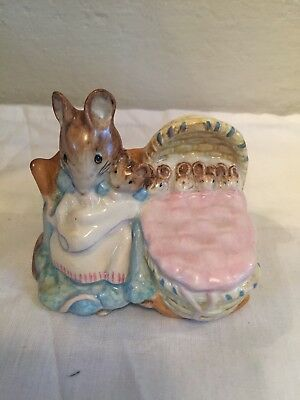 "Beswick Beatrix Potter ""Hunca Munca"" BP-2 Gold Oval Back Stamp Good Condition"