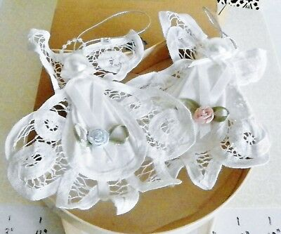 NEW  Set Of 2 White Lace Angel Ornaments In Gift Box Avon