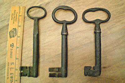 "3 Antique IRON SKELETON KEYS Large 6""+  Jail Gate Church Padlock 1800's"