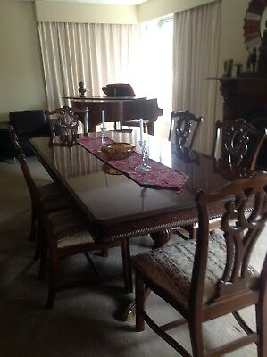Antique Style Dining Table With 6 Chairs