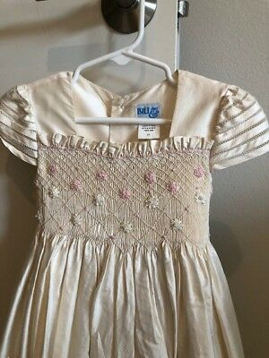 Gorgeous Cream Colored LuLu dress 100% silk with delicate smocking
