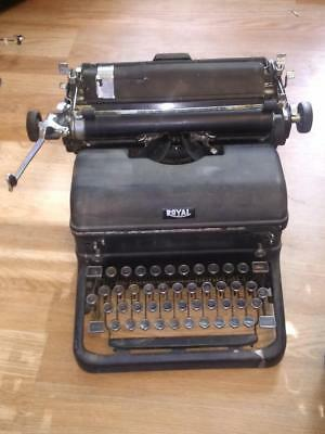 vintage royal typewriter with magic margin and glass keys