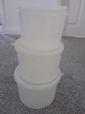 Vintage Tupperware Containers & Lids 3 X Round Containers.