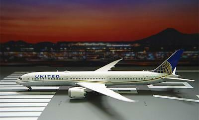 GeminiJets 1/400 Diecast Aircraft Model,United Airlines B787-10,GJUAL1785