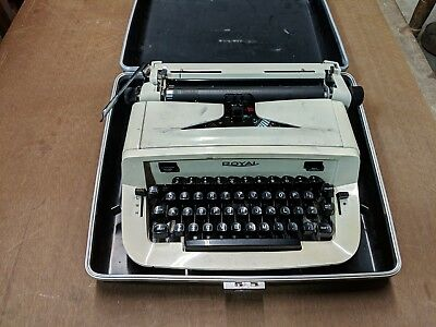 Vintage Royal Typewriter W/ Case