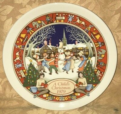 "MINT Wedgwood 1983 A Child's Christmas 8"" Plate - MADE IN ENGLAND"