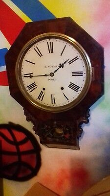 ANTIQUE   American . ' Connecticut Clock company'  wall clock