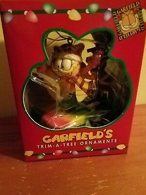 garfield skating on a Popsicle ornament