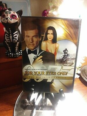 For Your Eyes Only (Two-Disc Ultimate Edition DVD) Roger Moore - 007 - Like New