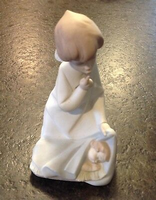 "Lladro Figurine ""Angel With Baby"" Sleeping Child #4635 1970-2003 Matte Finish"