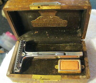 Vintage antique DeHaven Safety Razor Set, Wood Box,Swanton Ohio super keen,RARE