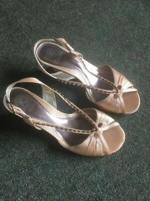 40443533a873 K By Clarks Ladies Satin Wedge Sandal In Gold Size 5.5E Wide Fitting