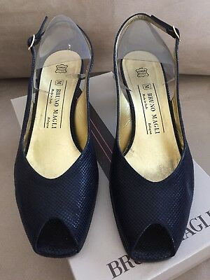 75c886a289 Women's Bruno Magli Peep Toe Slingback Navy Blue Leather Textured Pumps/ Shoes 9B