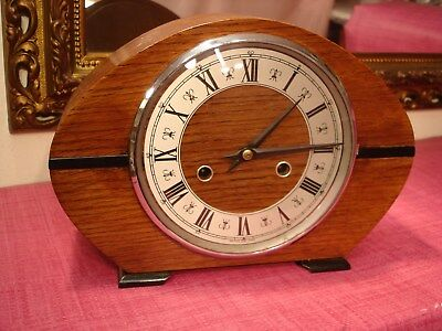 Gorgeous Vintage English Oak Cased Striking Mantel clock, superb Condition