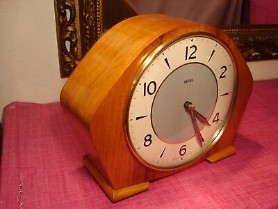 Gorgeous Vintage, English Light Mahogany striking Mantel Clock.