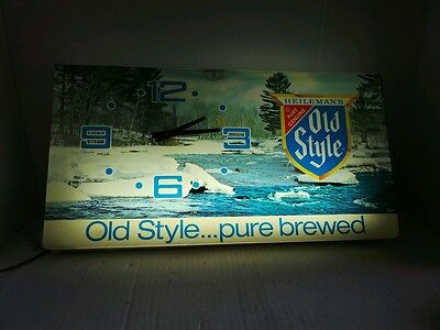 Heileman's pure Genuine Old Style lighted clock beer sign