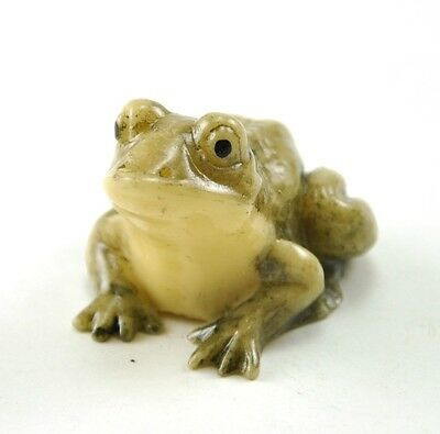Vintage Old Chinese/ Japanese Happy Lucky Frog Resin NETSUKE NEW 1""