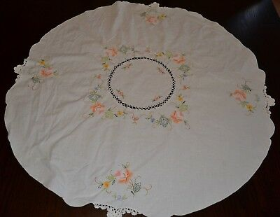 """Vintage White Linen 31"""" Round Embroidered Crochet  Applique Tablecloth"""