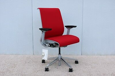 Steelcase Ergonomic Executive Think Chair In Red Fabric Fully Adjustable, New