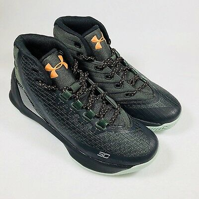 da7eabdef652 Under Armour Curry 3 Grade School Basketball Shoes Boy s Sz 5.5Y  (1274061-357