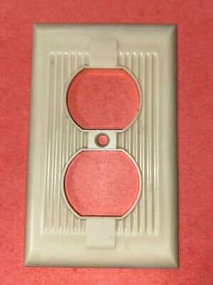 Vintage Art Deco Ribbed Bakelite receptacle Outlet Cover Plates National Tool