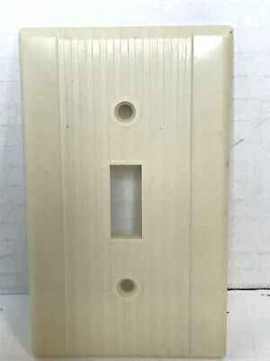 Vintage Art Deco Ribbed Bakelite Toggle Switch Cover Plate