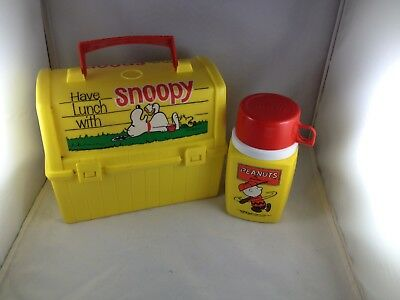 1968 SNOOPY PEANUTS PLASTIC LUNCHBOX AND THERMOS SET Have Lunch with Snoopy