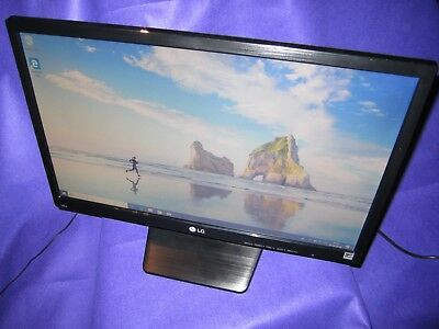 DELL 31W58 21.5/'/' LED LCD WIDE SCREEN Monitor ST2220M