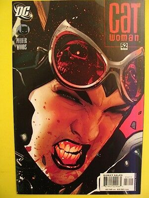 CATWOMAN Issue 52 April 2006 DC Comics ADAM HUGHES Cover Pete Woods Int. FINE