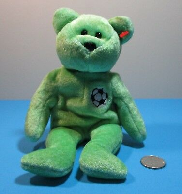 Ty Beanie babies Collection 1999 Kicks Green Teddy Soccer ball patch 9'' no hang